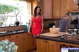 Sexy Housewife (Reagan Foxx) With Big Jugss Nailed Hardcore On Cam vid-13