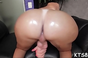 Giant knob for a naughty tranny