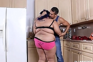 Angry BBW Babe is Calmed and Fucked overwrought Hubby'_s Friend