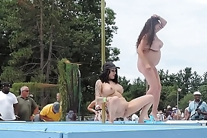 Nude Big Boobs Strippers Sparking in Public - xdance.stream