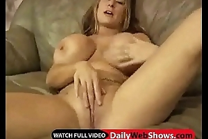 Huge tits get cummed unaffected by - DailyWebShows.com