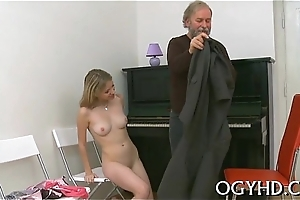 Steaming young playgirl fucks grey guy