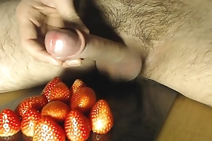 Cum on Ship aboard - Strawberry coupled with Desirable