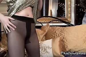 Redhead Gina Shows Her Sexy Trotters