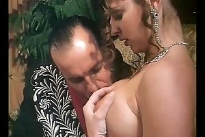 Italian vintage porn: a chivalrous woman wildly fucked!